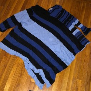 Symmetrical blue and black Sweater